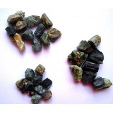 Зелен турмалин(Верделит) - необработен камък
