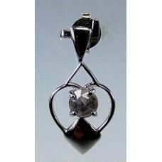 Медальон  сребърно сърце с фасетиран диамант